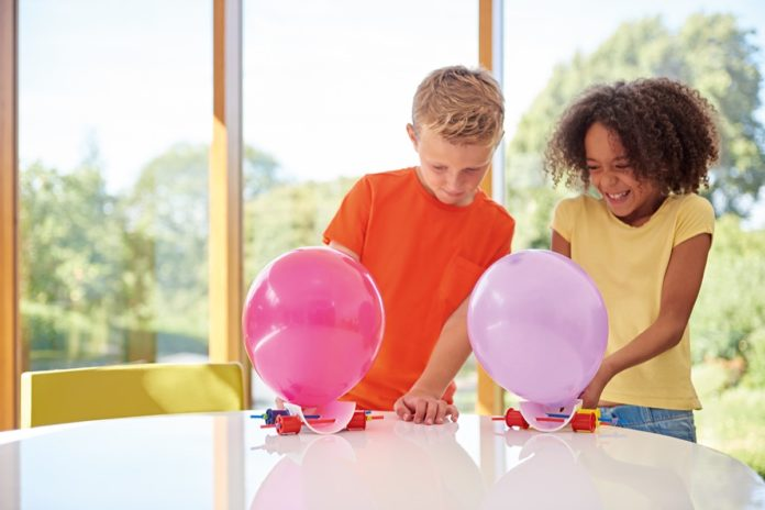Coronavirus e bambini, arrivano i giochi di Dyson per tenere attiva la mente