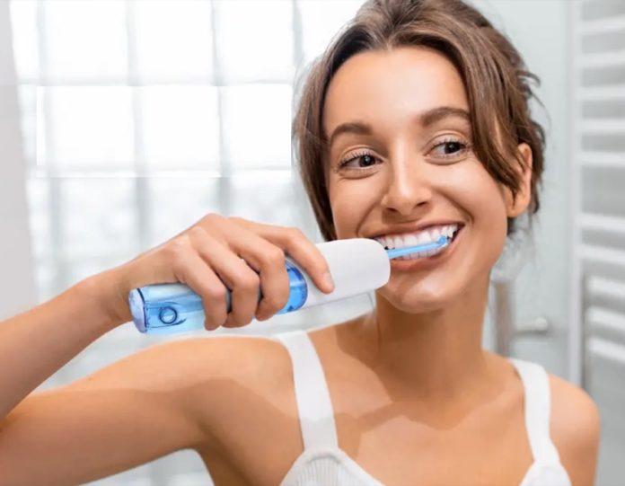 Idropulsore dentale Alfawise WF-330E in offerta lampo a 28 euro
