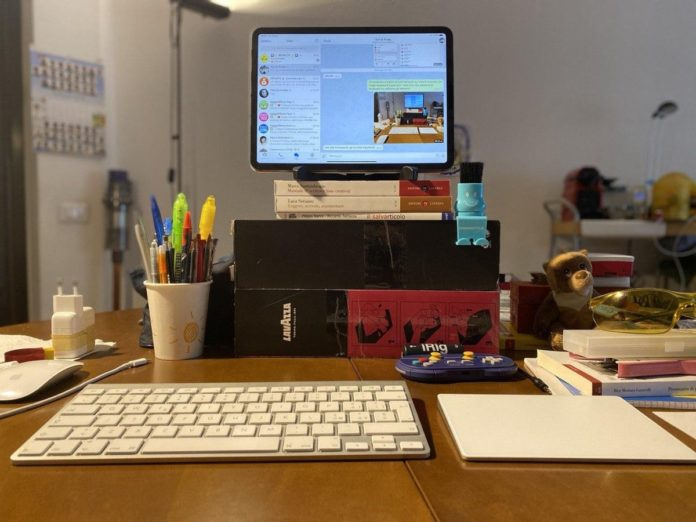 Prova dell'iPad Pro come workstation con tastiera e trackpad