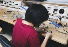 Apple sovvenziona i riparatori autorizzati che lavorano a distanza