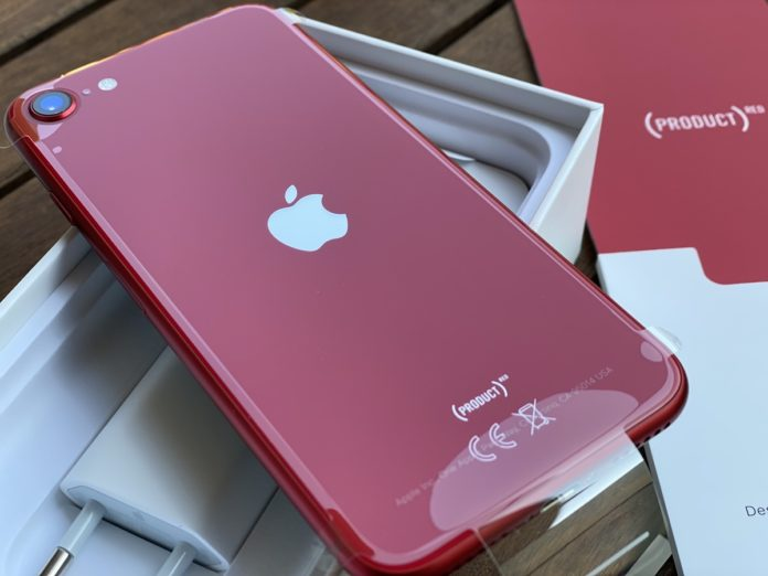 unboxing iphone se 2020 7