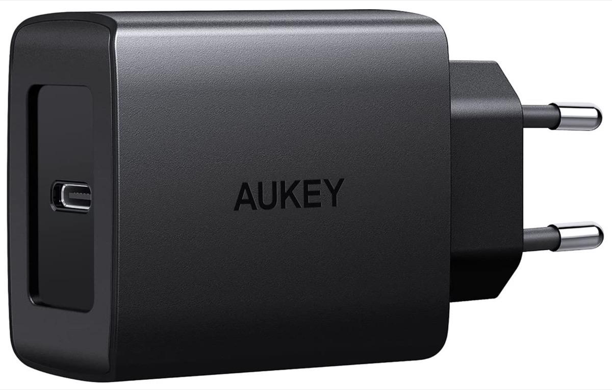 Aukey PA-Y15, caricatore USB-C da 18W per ricarica rapida di iPhone in sconto a 11,19 euro