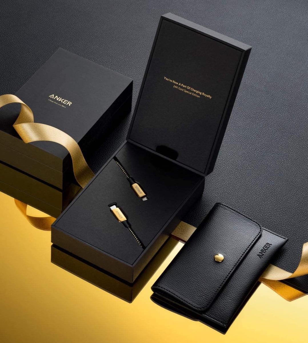 Chi è disposto a spendere 100 dollari per il cavo Lightning di Anker placcato in oro?