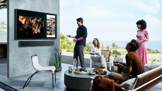 Con la Samsung QLED da 2.000 nit potrai guardare la TV all'aperto