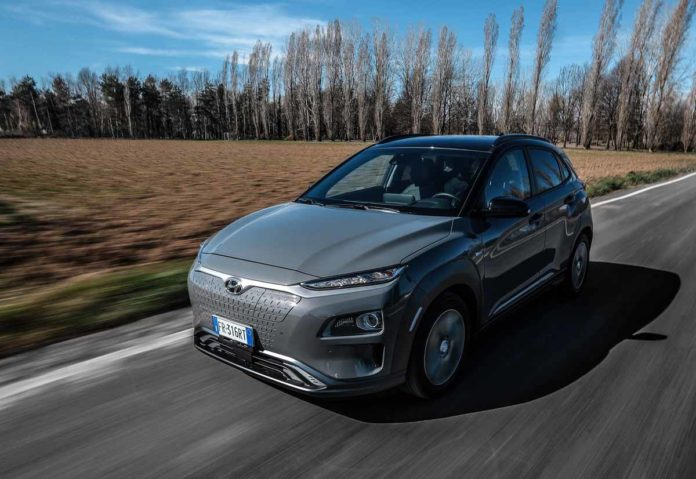 Hyundai aumenta l'autonomia di Kona Electric fino a 434 km