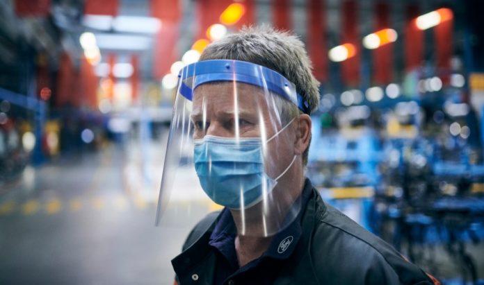 Ford sta realizzando protezioni facciali anti-Covid