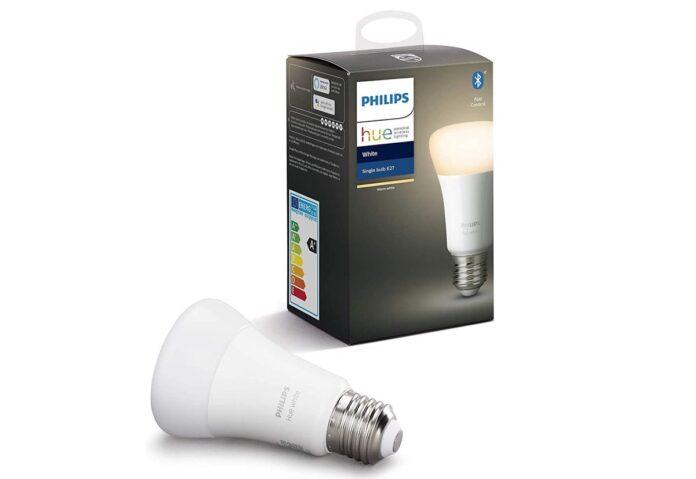 Rubatevi una lampadina Philips Hue bianca: 4,99 euro su Amazon