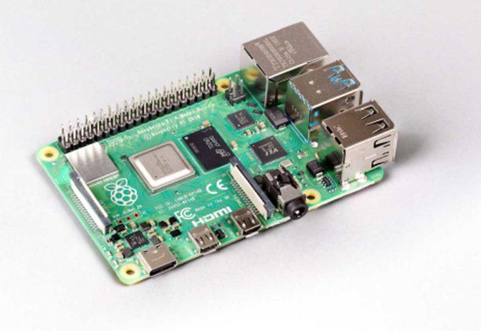Raspberry Pi 4 con 8GB di RAM e Raspberry Pi OS a 64 bit