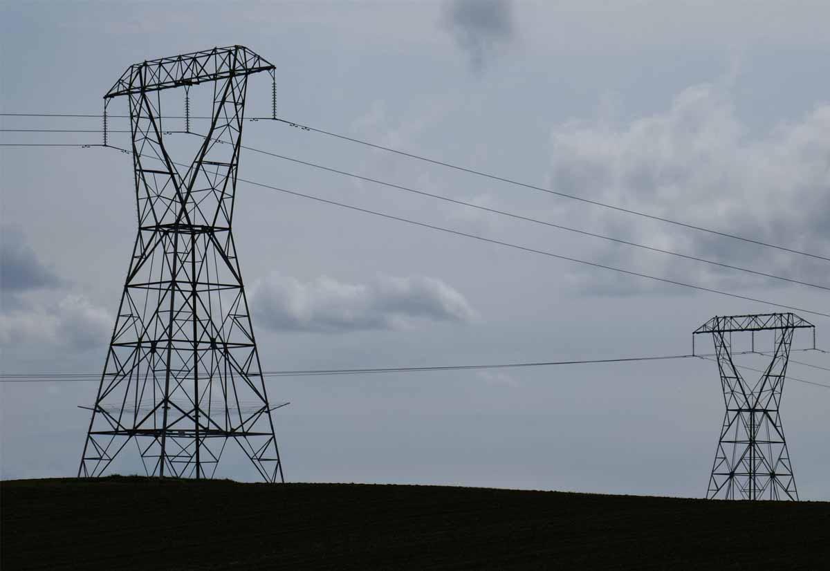 Trump non vuole sulle reti elettriche apparecchiature costruite all'estero