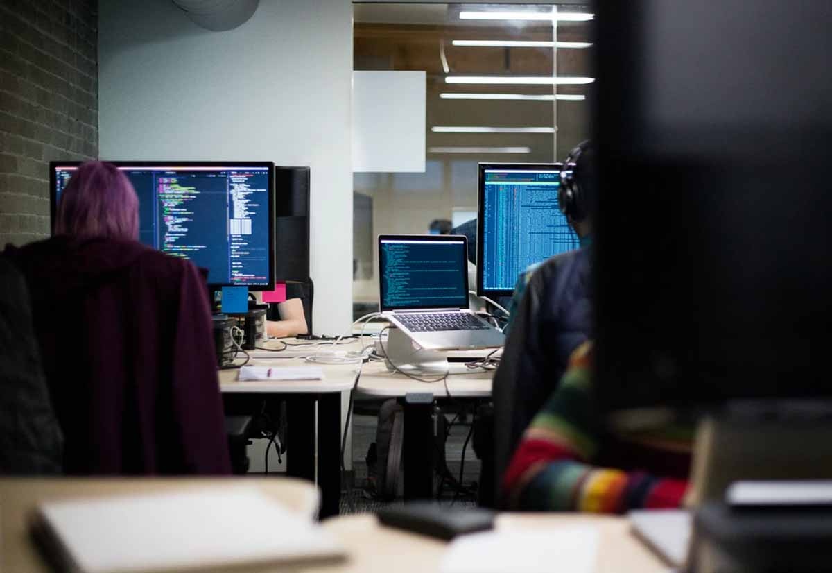 Dipendenti TIM vendevano a call center i dati dei clienti