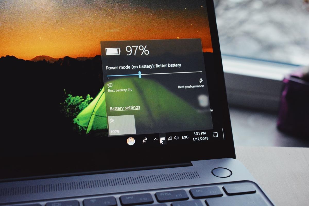 Licenza completa Windows 10 Pro a meno di 10 euro e non solo: ecco i saldi estivi di BZFuture