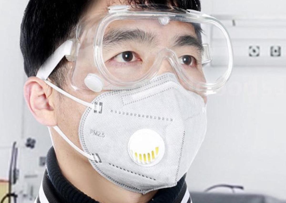 Occhiali protettivi, anche per tenere lontano il coronavirus, a partire da 2,49 euro
