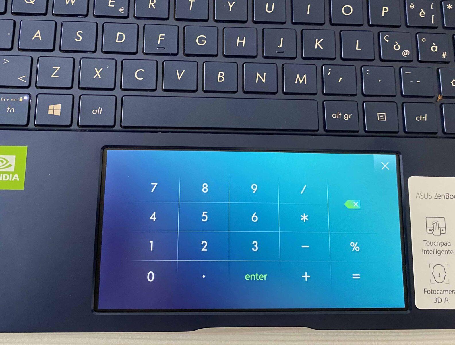 Recensione Asus ZenBook UX334F, robusto e leggero con touchbar-schermo