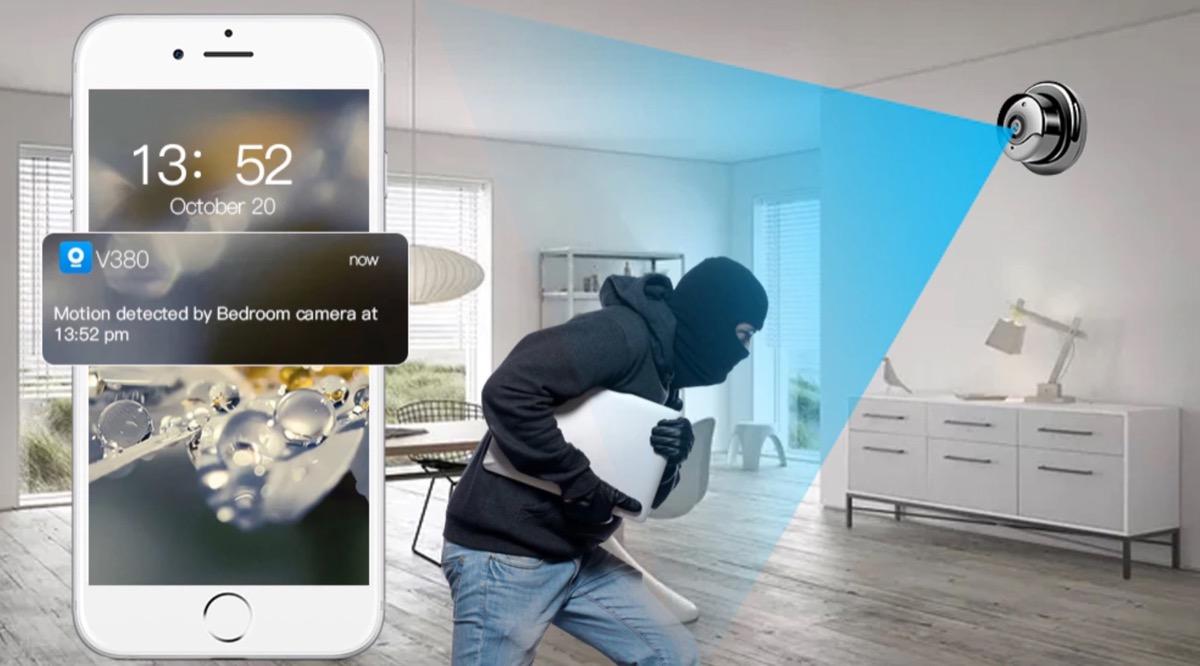 Mini telecamera di videosorveglianza, sicurezza via app a 47 euro