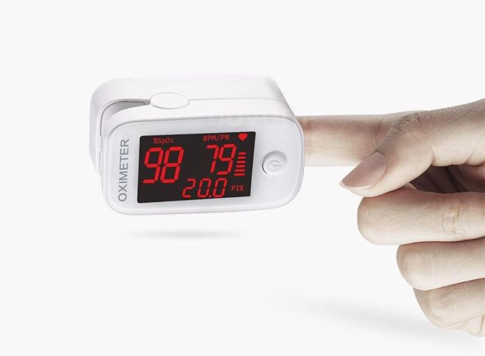 Pulsossimetro in offerta, con display OLED si parte da poco più di 15 euro su eBay