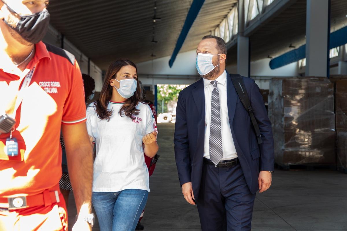 Amazon inizia le donazione alla Croce Rossa Italiana