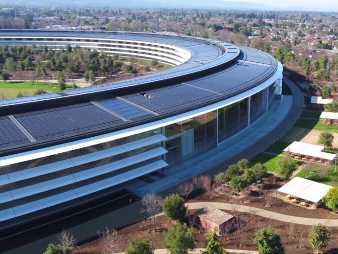 Dipendenti Apple al lavoro da casa per tutto il 2020
