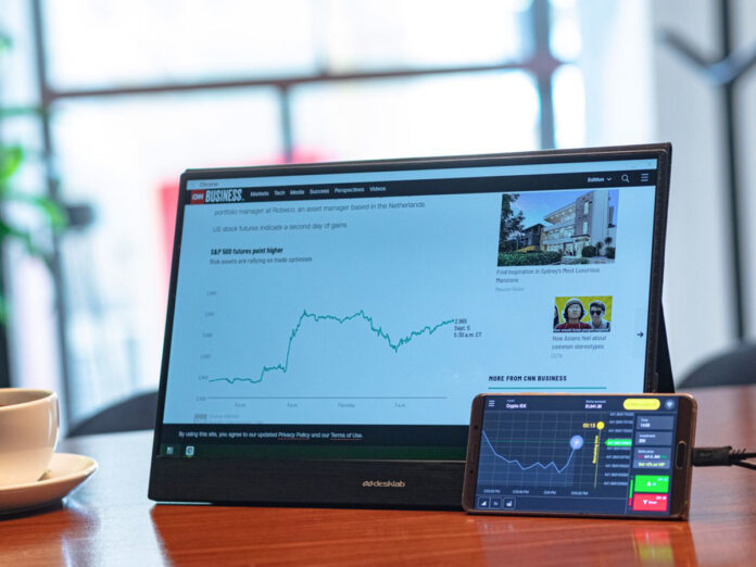 Recensione Desklab Portable Monitor, display portatile USB-C full optional