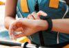 Fitbit Charge 4 più intelligente grazie a due nuove funzioni