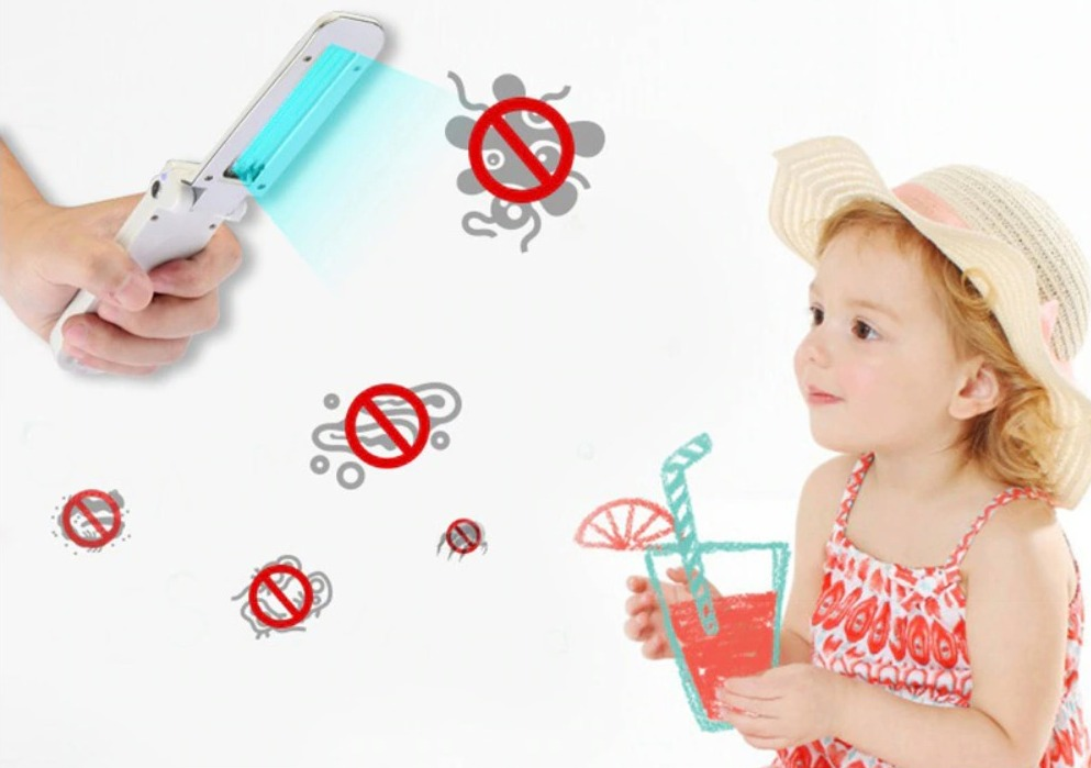 Solo 8.99 euro la mini lampada UVC portatile per sterilizzare superfici e oggetti al volo