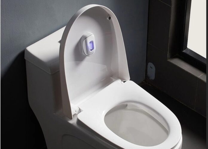 Xiaomi vi accompagna pure al WC con la lampada UVC sterilizzante e deodorante smart Xiaoda
