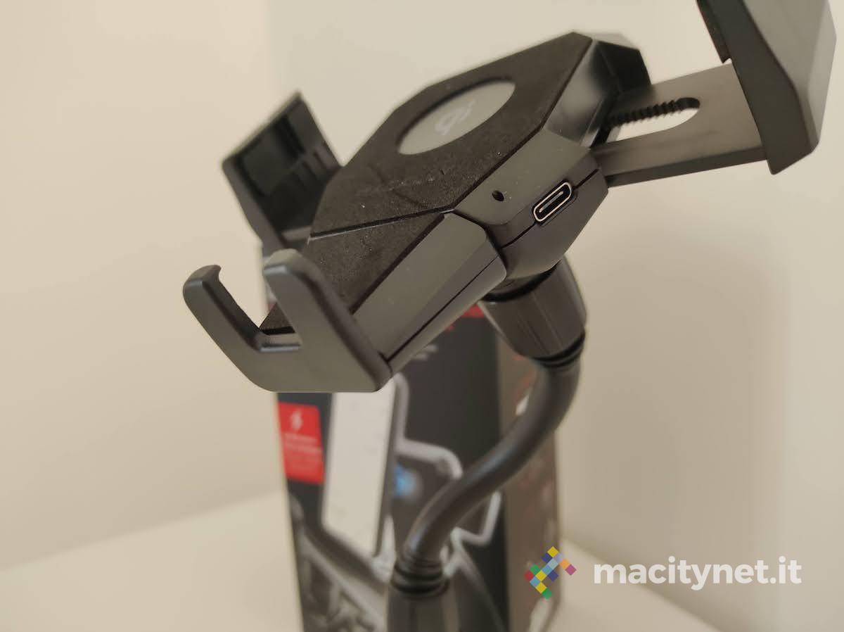 Recensione Macally MCUPXLQI, il supporto smartphone per portabicchieri con ricarica wireless