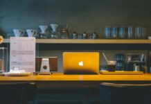 Apple consiglia di non applicare coperture sulla videocamera di MacBook, MacBook Air o MacBook Pro
