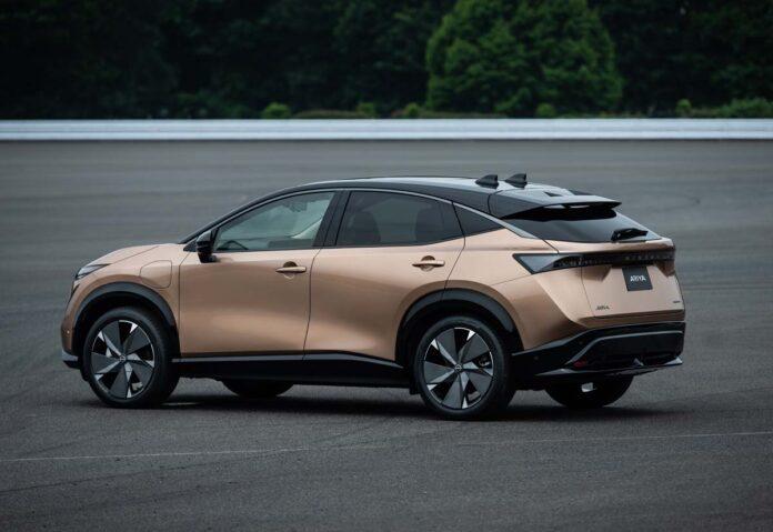 Nissan Ariya: crossover coupé 100% elettrico con 500 km di autonomia