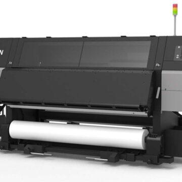 Epson SureColor SC-F10000 è una stampante a sublimazione industriale da 78″