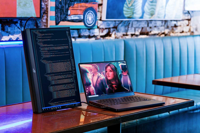 ASUS ROG Strix XG17AHP, in Italia il monitor portatile con il refresh rate a 240 Hz