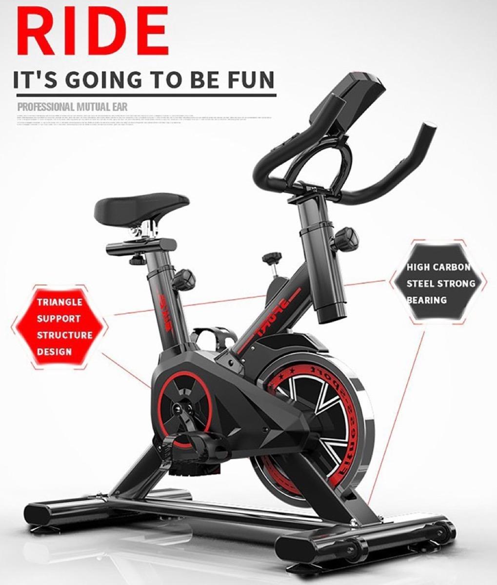 Rimettetevi in forma con la cyclette Reebok compatta per interni, in offerta lampo a poco più di 200 euro