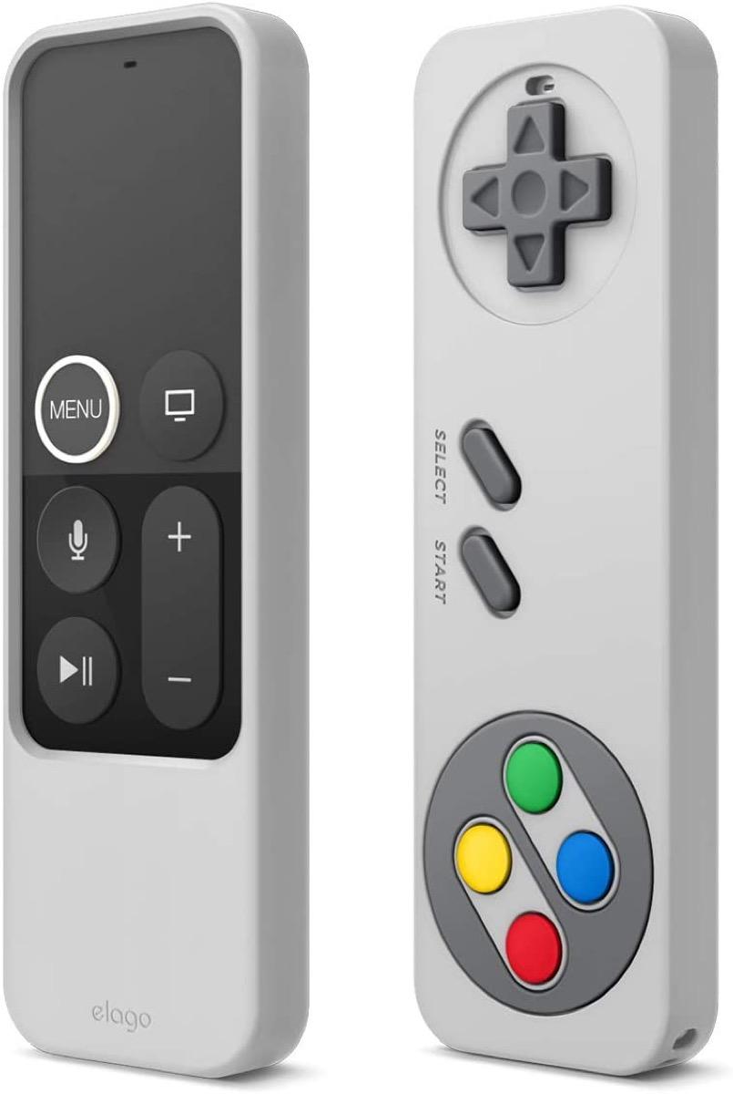 Il telecomando di Apple TV sembra un controller Nintendo con la custodia di Elago