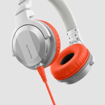 Pioneer DJ presenta le nuove cuffie HDJ-CUE1 con accessori intercambiabili
