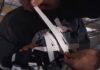 Riprese mozzafiato con iPhone 11 Pro fissato col nastro adesivo ai pattini da ghiaccio