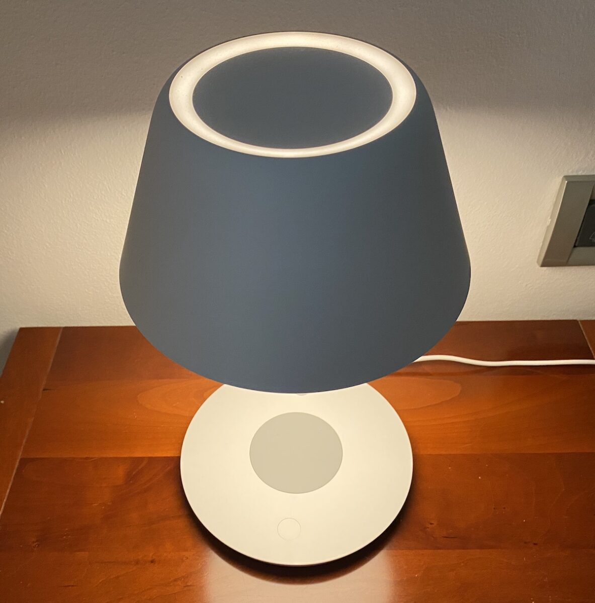 Recensione YEELIGHT YLCT03YL Pro: lampada homekit con ricarica wireless