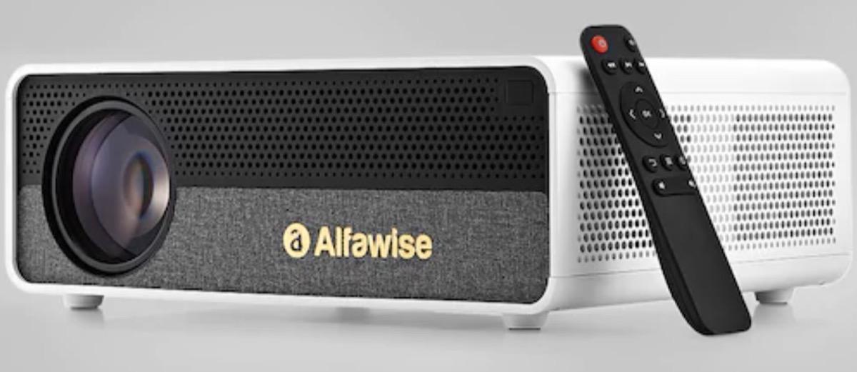 Alfawise Q9, il videoproiettore Full HD per film a 300 pollici a soli 157 euro