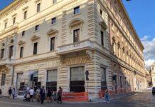 Una sbirciata ai lavori per Apple Store via del Corso a Roma
