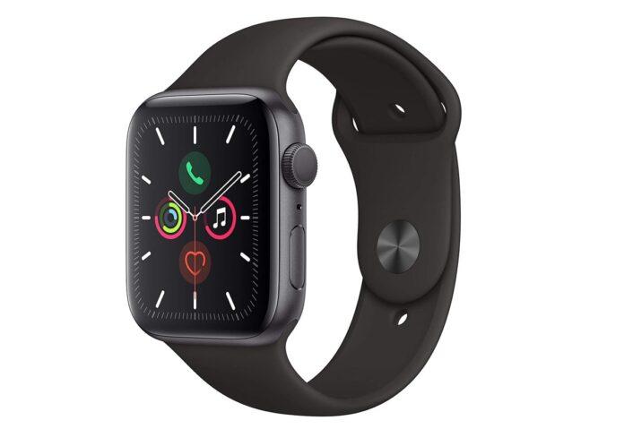 Apple Watch 5 scende al minimo prezzo: 398 euro