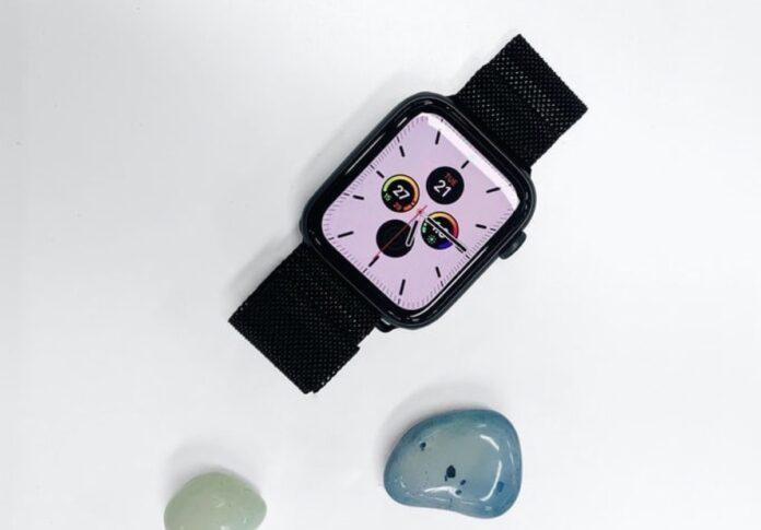 Apple Watch Series 6 e Apple Watch SE avvistati sul sito web di B&H