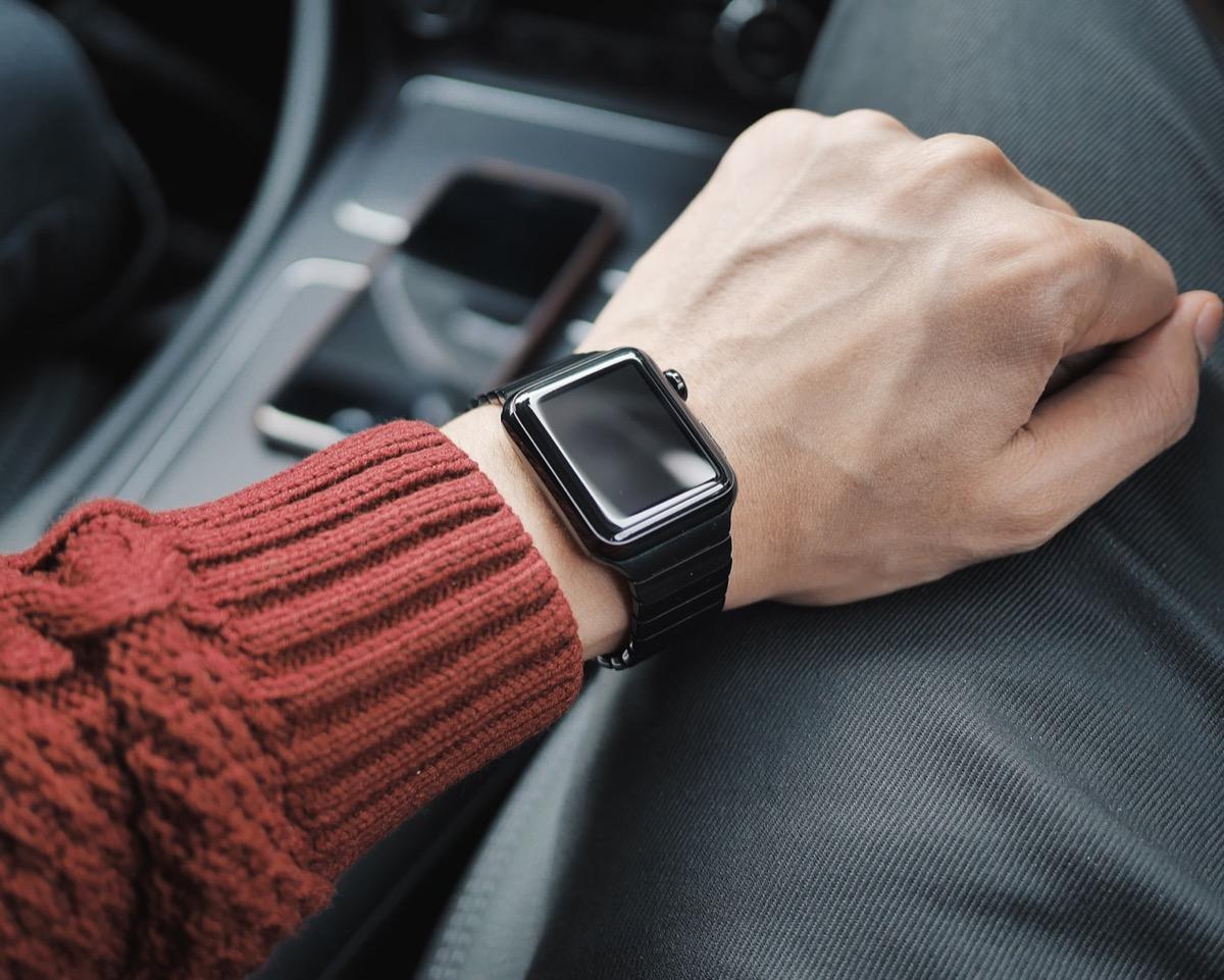 Apple Watch 6 alla moda, sarà disponibile in un nuovo colore