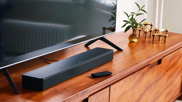 Bose Smart Soundbar 300 ha la tecnologia AirPlay 2 e il prezzo stuzzica