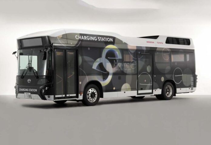 Toyota e Honda testano una stazione mobile per fornire elettricità in situazioni di emergenza
