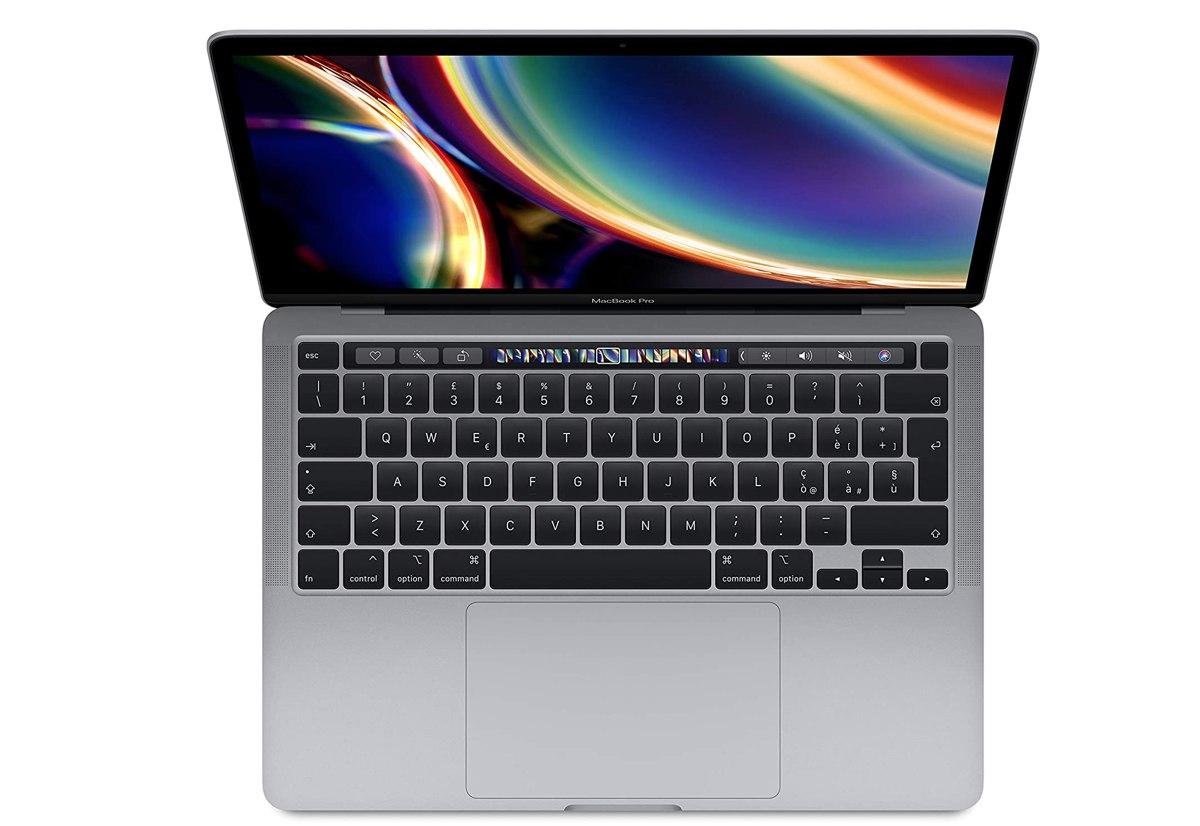 MacBook Pro 13″ top (SSD 1 TB, 16 GB di RAM) al minimo storico: 1899 euro, sconto da 600€!