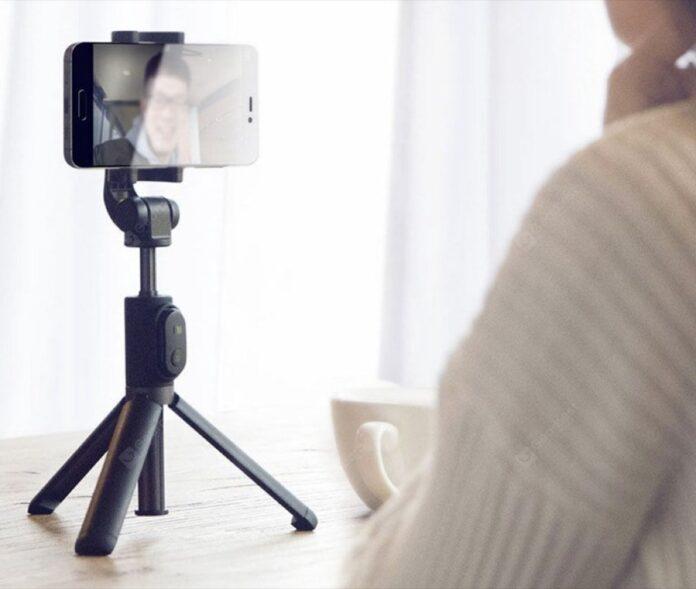 Bastone selfie treppiede/monopiede pieghevole Xiaomi solo 12,89 + con codice sconto