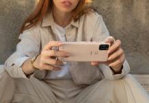 Wiko presenta View5 e View5 Plus, gli smartphone che necessitano di sole due cariche a settimana