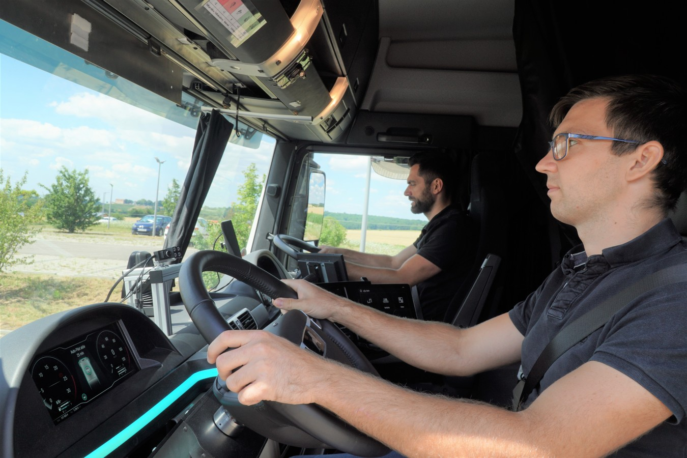 Un compagno di viaggio virtuale per aumentare la sicurezza degli autocarri sulle strade