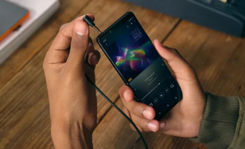 Sony presenta Xperia 5 II: il 5G che fa della fotografia, gaming e intrattenimento il suo forte