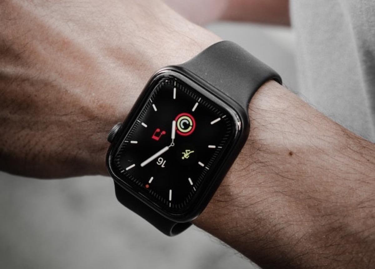 iPhone e Apple Watch energivori? la soluzione di Apple è in un click