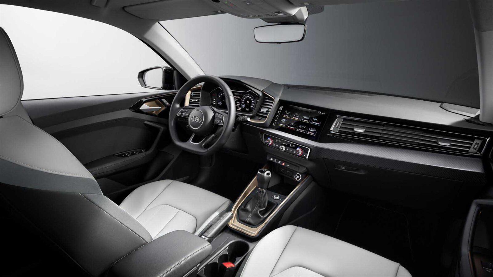 Audi A1 con comandi vocali, Alexa e porte USB-C
