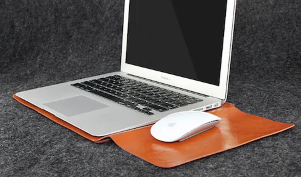 Geniale custodia in pelle per MacBook co …